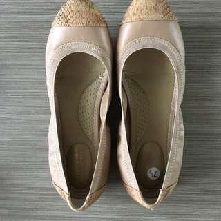 Nude Ballet Flats