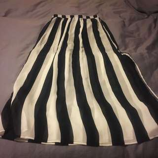 Maxi Skirt - Size Small