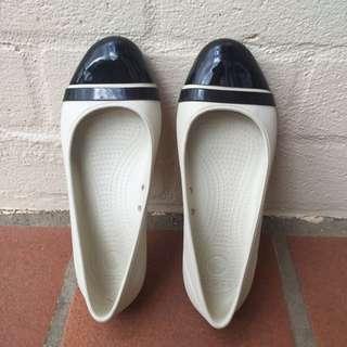 Crocs White Shoes Size 5