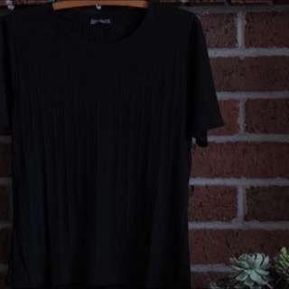 Black Crop Top // Size XL