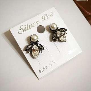 正韓 羽毛造型珍珠耳環