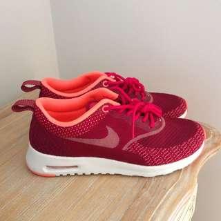 Nike Thea Size 5.5