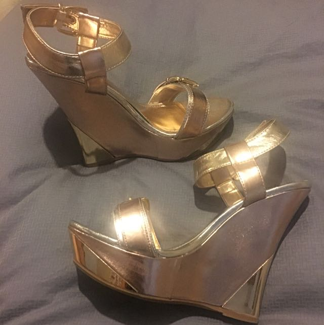 """Bamboo"" Rose Gold And Gold Wedges - so amazing! Size 7 1/2"