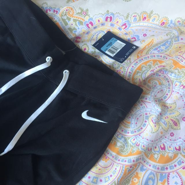 BRAND NEW authentic nike tight tracksuit pants