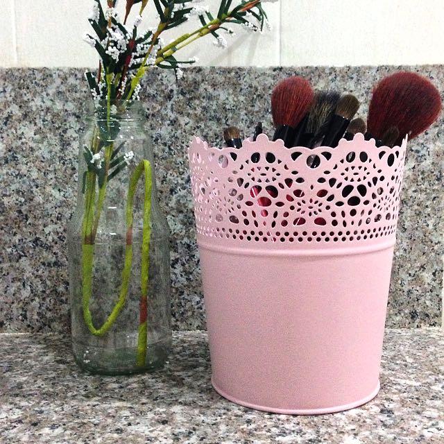 Brush Pot (Large)