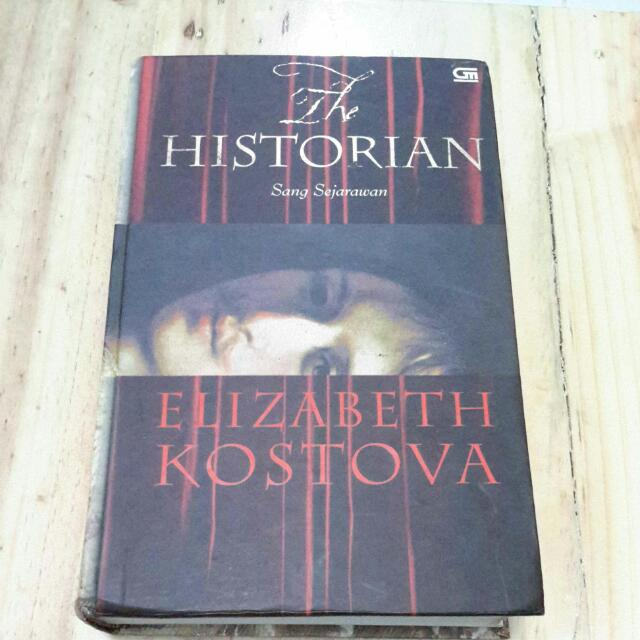 Buku The Historian (Sang Sejarawan)