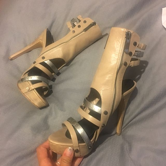 Guess heels size 7 1/2