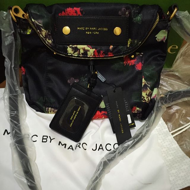 Marc By Marc Jacobs Sling Bag bought from @seanira0621