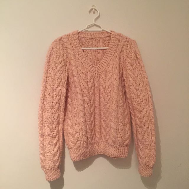 Pinky Hand-knitted Sweater