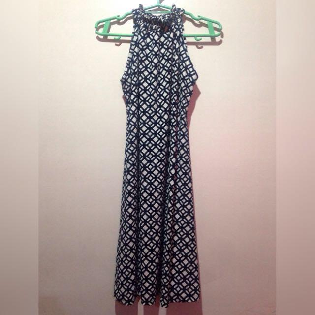 printed sleeveless turtle neck dress