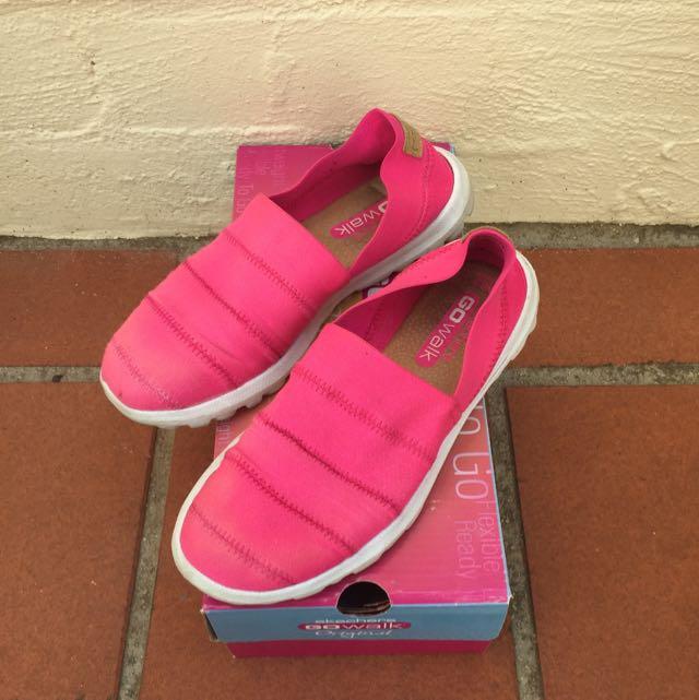 Skechers Shoes 5.5