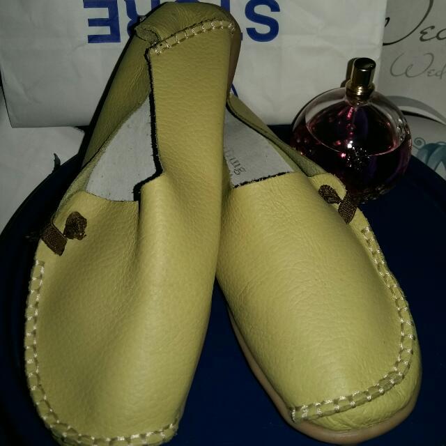 super comfy shoes size 6