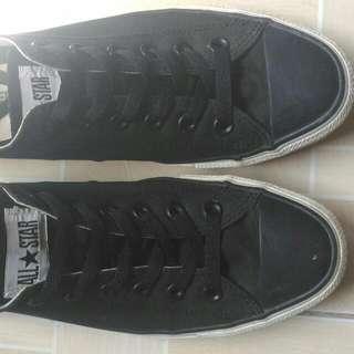 Converse Chuck Taylor Black Toe