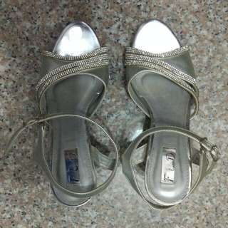 """4"""" Silver Size 37 Wedding Shoes With Bling Crystals"""