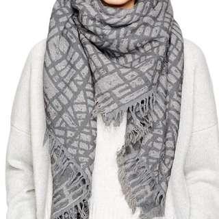 Wilfred Blanket scarf