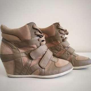 Aeropostale Heeled Shoes