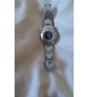 GUCCI STAINLESS STEEL WATCH (FIRM PRICE)