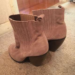 Womens Size9 Boots
