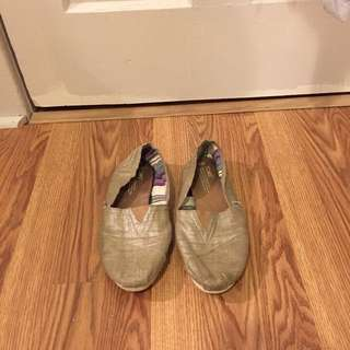 Gold Toms - Size 9