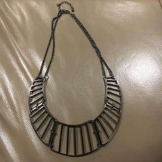 Gun metal coloured necklace