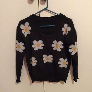 Knitted Daisy Crop