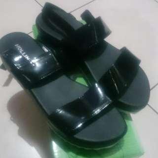 Sepatu Merk Molinic  Jual karena kekecilan
