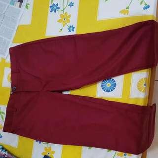 Celana Chino Red.