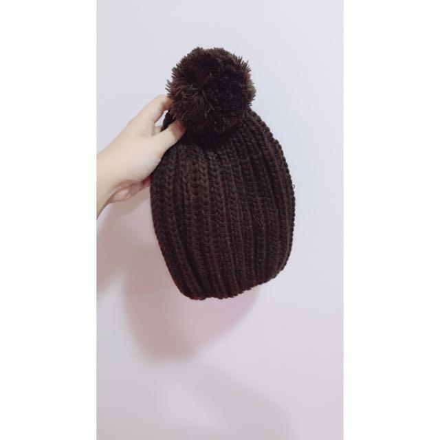 咖啡色球球毛帽