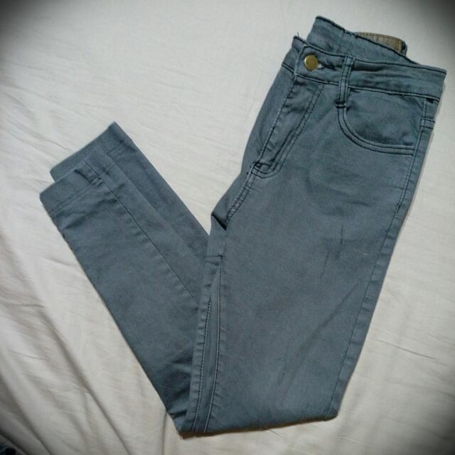 灰牛仔長褲