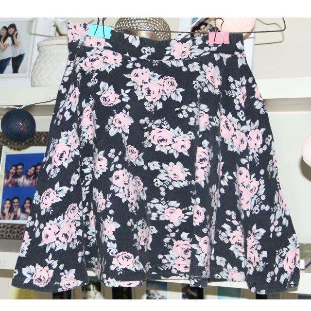 h&m flower mini skirt