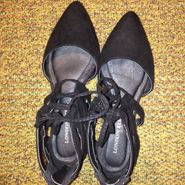 New London Rebel Pointed Flats (no Tags)