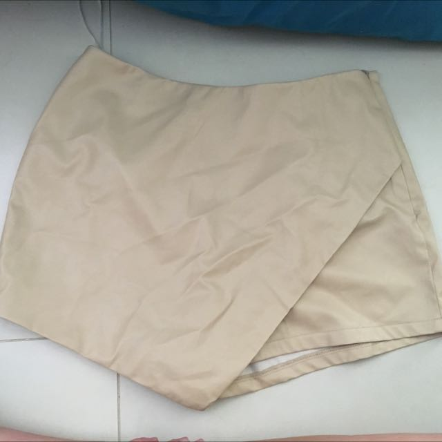 Nude PU leather Skort