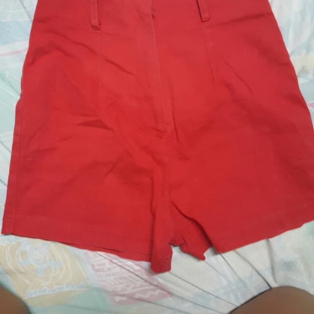 red high waist short