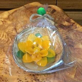 純手工製作(黃)椰子殼泡澡漂浮蠟燭 50g