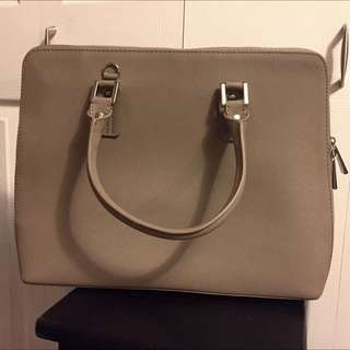 Structured Danier Bag- Almost New 🙌