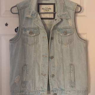 L  abercrombie and fitch jean vest