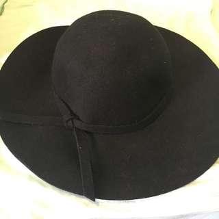 Miss Shop Black Felt Floppy Hat