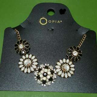 OPIA Short Necklace