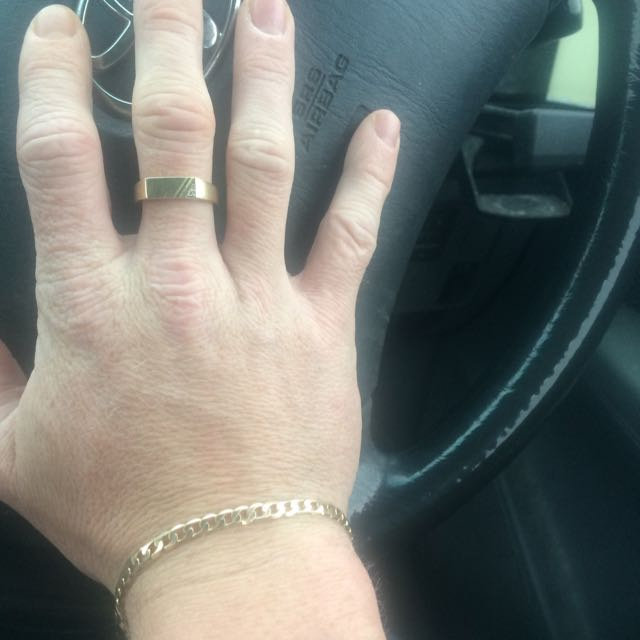 9kt Bracelet & 9kt Ring With White Gold And Some Jewl