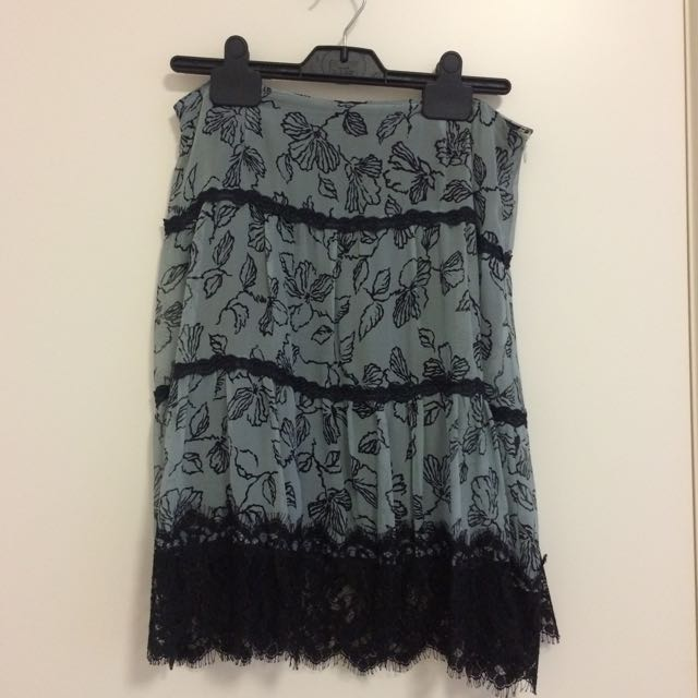 Alanna Hill Skirt Size 8