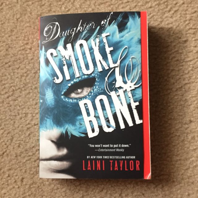 Daughter Of Smoke And Bone - Laini Taylor (eng)
