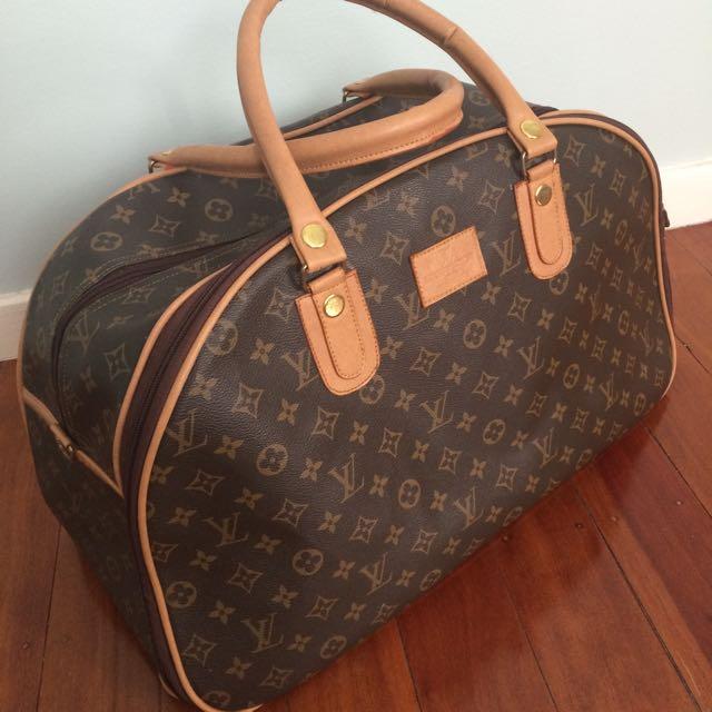 Fake LV Over Night Bag