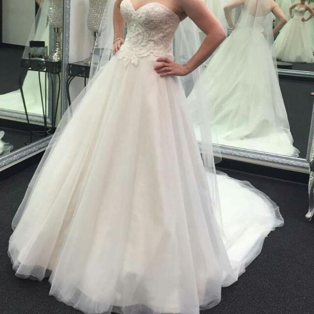 Jenny And Gerrys Wedding Bridal Gown