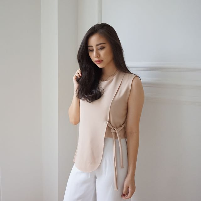 Nude Asymmetric Top