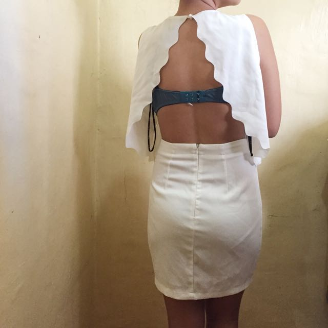 Scalloped-backless Party Dress