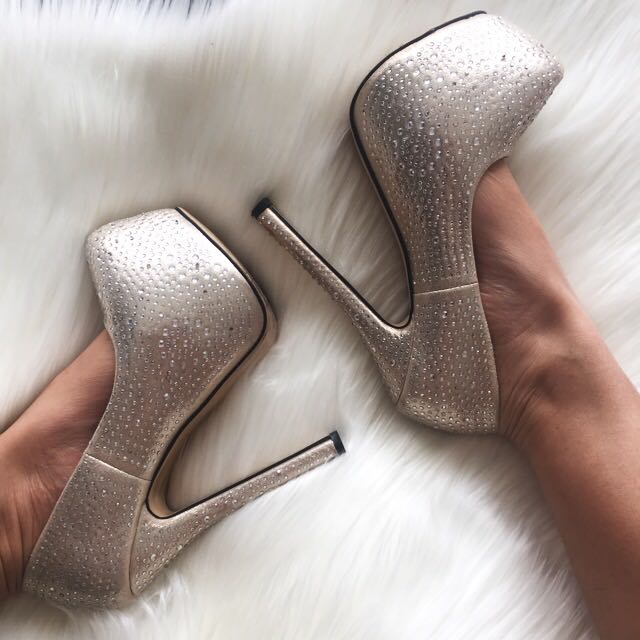 ✖️Silver Diamanté Heels