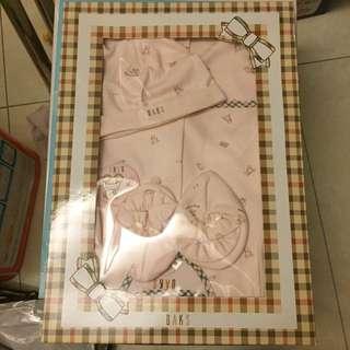 DAKS專櫃嬰兒服飾禮盒