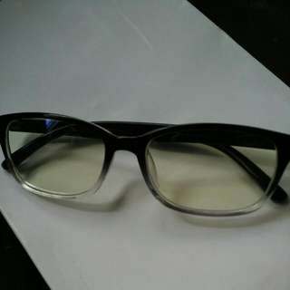 Brand NEW.  Authentic Anti-Blue Ray Clear Glasses. Glossy Black & Half Clear Frame. No Degree. Block 97% Harmful Blue Light/Ray. Note: This Is The Clear Glass Version NOT The Yellowish Glass version. Excellent For Computer Reading, Mobile Devices,Ipad.