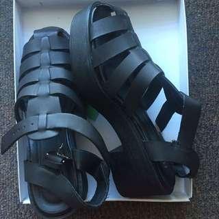Ruby Black Sandals Size 39