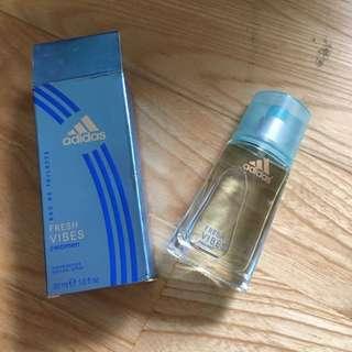 過期很久的愛迪達香水(收藏用)